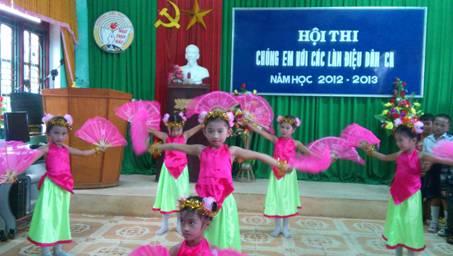 Trường Tiểu học Ngư Thủy Bắc chào mừng Ngày Nhà giáo Việt Nam